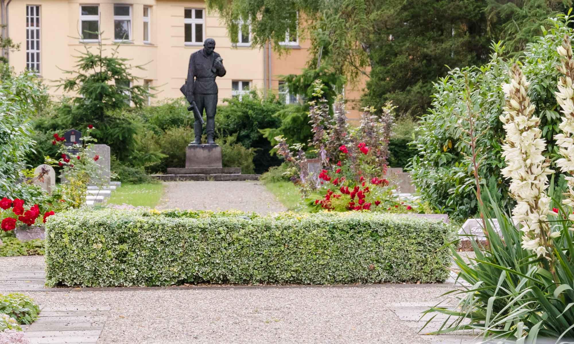"""""""Ehrenfriedhof Opfer des Faschismus"""""""